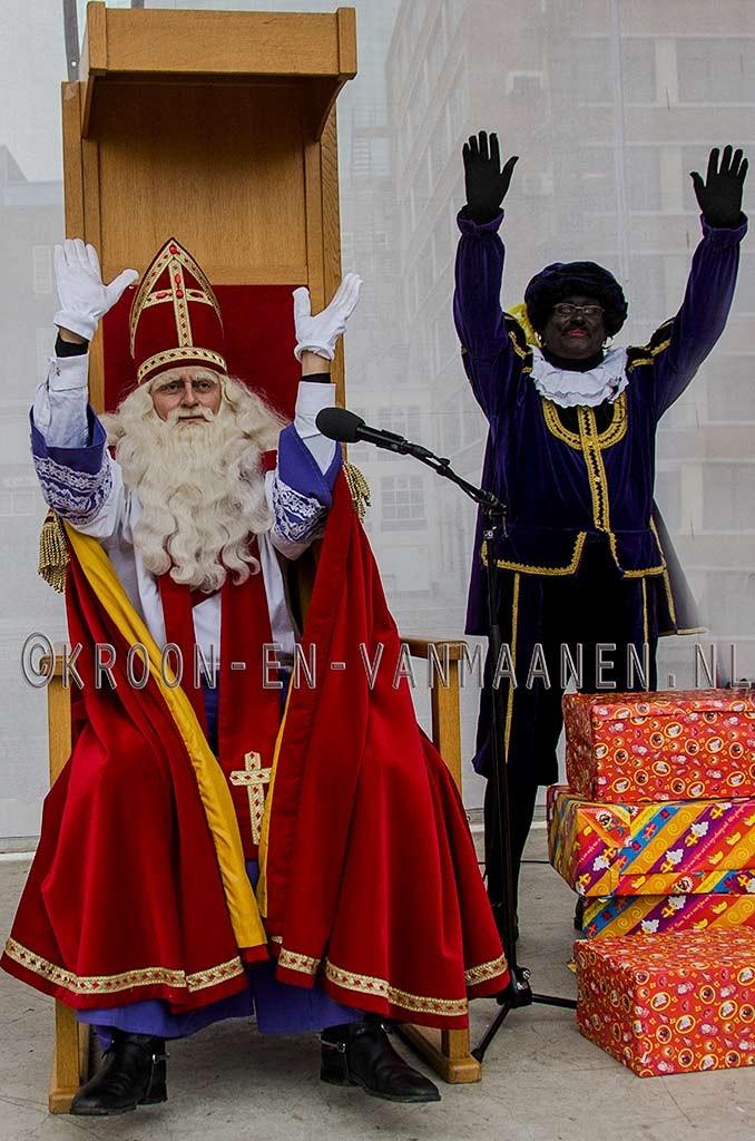 Dag Sinterklaasje, dáág, dáág, dáág, dáág Zwarte Piet.