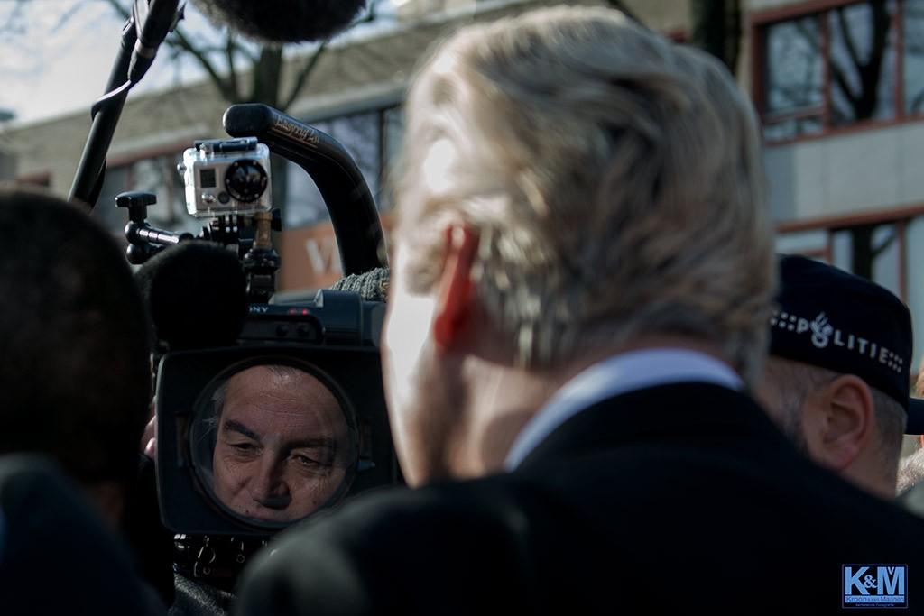 Oog voor de camera. Oog voor Wilders.