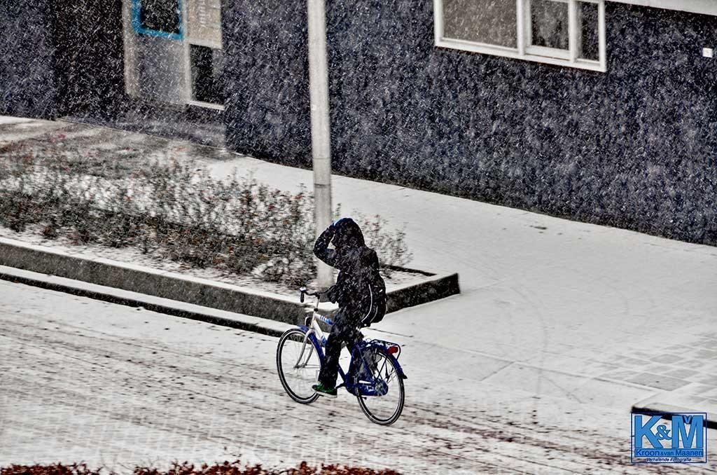 Zó sterk is de eenzame fietser
